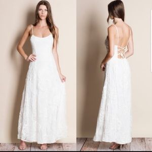 Dresses & Skirts - Beautiful white lace maxi dress with lace up back